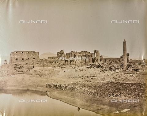 BAQ-A-001543-0072 - Karnak, View of the Sacred Lake - Data dello scatto: 1870 ca. - Archivi Alinari, Firenze