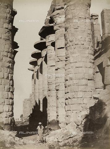 BAQ-A-001543-0077 - Karnak, Colonnato del Grande Tempio di Amon-Ra - Data dello scatto: 1870 ca. - Raccolte Museali Fratelli Alinari (RMFA), Firenze