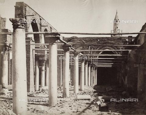 BAQ-A-001543-0134 - Moschea di Amron nel Vecchio Cairo - Data dello scatto: 1870 ca. - Raccolte Museali Fratelli Alinari (RMFA), Firenze