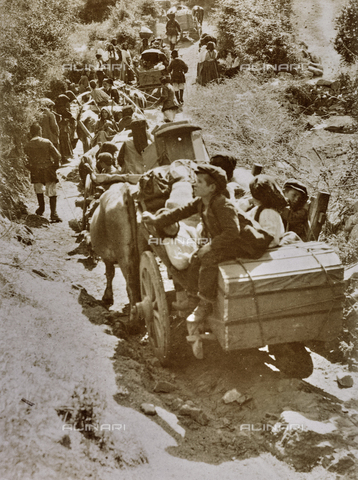 BAQ-F-001154-0000 - Carri per il trasporto di masserizie, Sardegna - Data dello scatto: 1900-1910 - Raccolte Museali Fratelli Alinari (RMFA), Firenze
