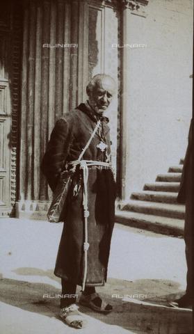 BAQ-F-001182-0000 - Un frate - Data dello scatto: 1903 - Raccolte Museali Fratelli Alinari (RMFA), Firenze