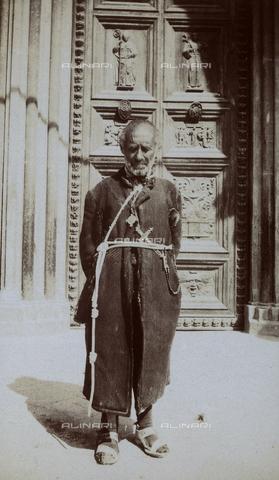 BAQ-F-001183-0000 - Frate - Data dello scatto: 1903 - Raccolte Museali Fratelli Alinari (RMFA), Firenze