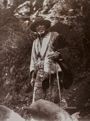 BAQ-F-001189-0000 - Shepherd, Sardinia - Data dello scatto: 1900-1910 - Archivi Alinari, Firenze