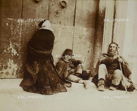 BAQ-F-001192-0000 - Famiglia della campagna sarda - Data dello scatto: 1903 - Raccolte Museali Fratelli Alinari (RMFA), Firenze
