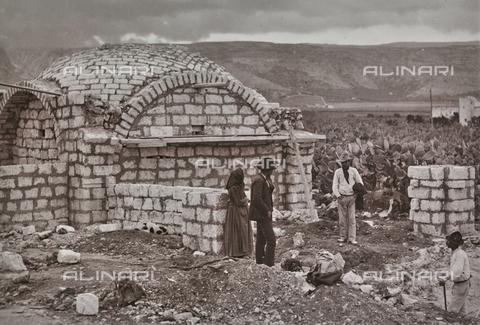 BAQ-F-001220-0000 - Edificio di mattoni a forma di cupola, Sardegna - Data dello scatto: 1900-1910 - Raccolte Museali Fratelli Alinari (RMFA), Firenze