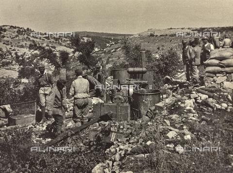 BCA-F-000035-0000 - Mechanical rock-drills at work, cutting trenchs and caverns near Carso during World War I - Data dello scatto: 1915 - 1918 ca. - Archivi Alinari, Firenze