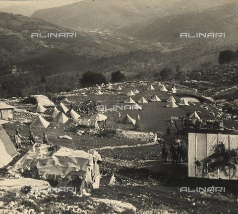 BCA-F-000092-0000 - A military encampment in the Asiago Plateau during World War I - Data dello scatto: 1915 - 1918 ca. - Archivi Alinari, Firenze