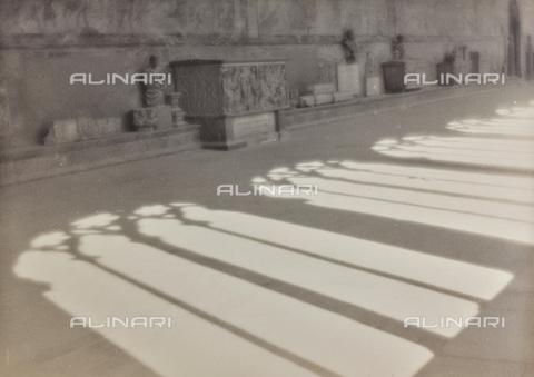 BCA-F-000199-0000 - Detail of the cloister of Pisa Camposanto - Data dello scatto: 1920-1930 - Archivi Alinari, Firenze