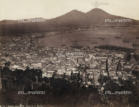 BCC-F-000139-0000 - A view of Napoli and Mount Vesuvius as seen from San Martino - Data dello scatto: 1880-1890 ca. - Archivi Alinari, Firenze
