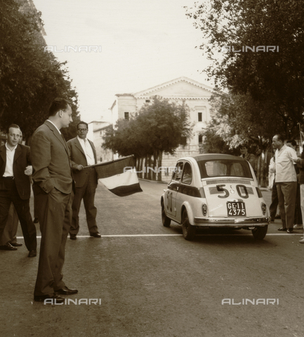 BEA-F-003332-0000 - Umbria Auto Ride: car on the starting grid