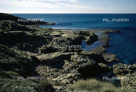 BEN-F-012434-0000 - Panoramica sulla costa, Dor (Dora), Mar di Cesarea, Tel Dor - Raffaello Bencini/Archivi Alinari, Firenze