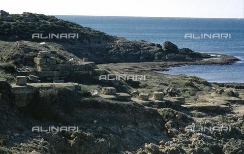 BEN-F-012436-0000 - Panoramica sulla costa con antichi ruderi, Dor (Dora), Mar di Cesarea, Tel Dor - Raffaello Bencini/Archivi Alinari, Firenze