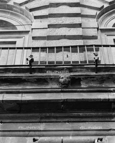 BEN-F-014707-0000 - Courtyard, first floor cornice, Ammannati, Bartolomeo, Pitti Palace, Florence - Raffaello Bencini/Alinari Archives, Florence, Reproduced with the permission of Ministero per i Beni e le Attività Culturali