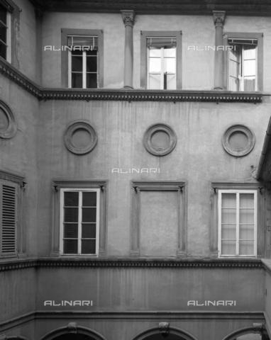 BEN-F-014718-0000 - Courtyard, 1520 c., Baccio d'Agnolo said, Bartolomeo d'Agnolo Baglioni (Florence 1462-1543), Palazzo Ricasoli-Fidolfi, Florence - Raffaello Bencini/Alinari Archives, Florence