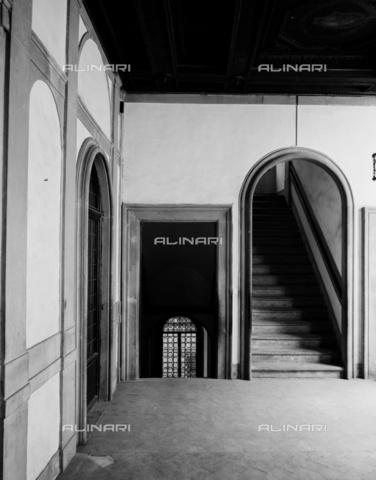 BEN-F-014720-0000 - The first floor landing, Caccini, Giovanni Battista (Florence 1556-1612 / 13), or Santi di Tito, attributed, Palazzo Michelozzi, then Bartolozzi, Florence - Raffaello Bencini/Alinari Archives, Florence