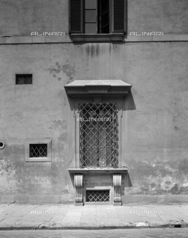 BEN-F-014726-0000 - Outside, detail 1480 (1720), Giuliano Giamberti, said da Sangallo (Florence 1452-1516) (Antonio Ferri), Palazzo della Gherardesca or Scale-Gherardesca, Florence - Raffaello Bencini/Alinari Archives, Florence