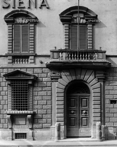 BEN-F-014736-0000 - Facade, detail, the Palazzo Orlandini Beccuto (already Gondi di Francia), Florence - Raffaello Bencini/Alinari Archives, Florence