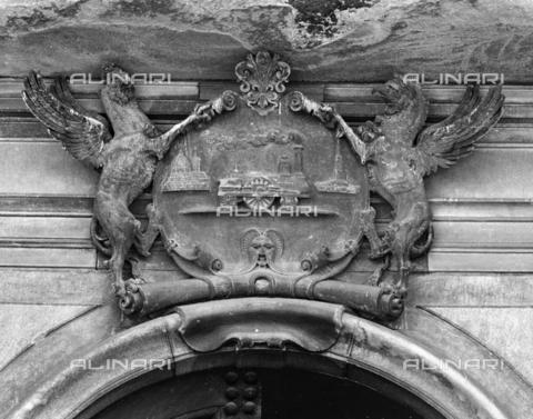 BEN-F-014738-0000 - Coat Railways Livornesi, Raphael Curradi, Palazzo Fenzi-Marucelli, Florence - Raffaello Bencini/Alinari Archives, Florence