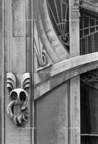 BEN-F-014741-0000 - Detail facade, 1911, Michelazzi, Giovanni, Casa Vichi, Florence - Raffaello Bencini/Alinari Archives, Florence