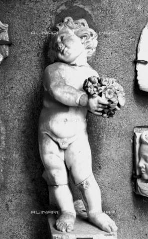 BEN-F-014750-0000 - Cherub, marble, Castel Sant'Angelo, also known as Mausoleum of Hadrian, Rome - Raffaello Bencini/Alinari Archives, Florence, Reproduced with the permission of Ministero per i Beni e le Attività Culturali