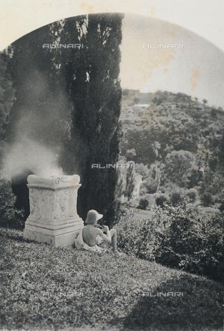 """BFB-S-009007-0276 - """"Egloga"""": scena pastorale mitologica - Data dello scatto: 1900 - Biblioteca del Museo di Storia della Fotografia Fratelli Alinari, Firenze"""