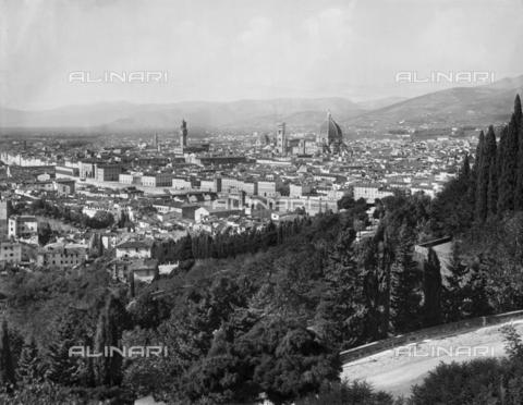 BGA-F-003011-0000 - Panorama of Florence from San Miniato - Date of photography: 1920-1930 ca. - Alinari Archives-Brogi Archive, Florence