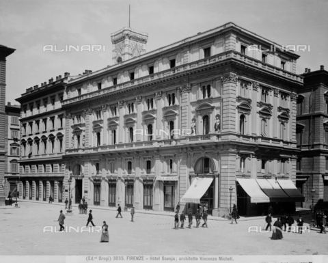 "BGA-F-003035-0000 - The Savoy Hotel and the coffee ""Pastry Luigi Gilli"" in old location at the corner of Via degli Speziali, Piazza della Repubblica, Florence"