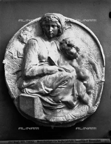 BGA-F-003261-0000 - Tondo Pitti: Madonna, Child and San Giovannino, bas-relief, Michelangelo Buonarroti (1475-1564), Academy Gallery, Florence - Date of photography: 1890 ca. - Alinari Archives-Brogi Archive, Florence