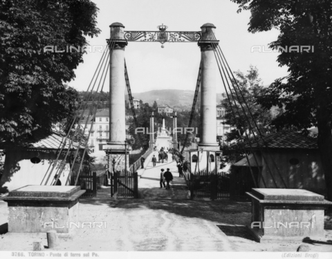 BGA-F-003766-0000 - Animated view of access to the Ponte Maria Teresa (Iron Bridge), in Turin
