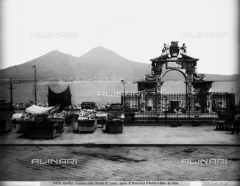 BGA-F-005476-0000 - Fountain, Via Santa Lucia, Naples