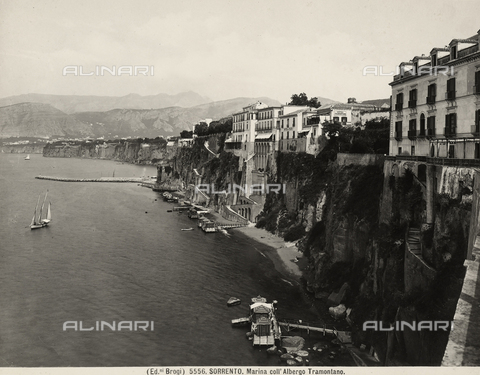 BGA-F-005556-0000 - The Sorrento coast with the Tramontano Hotel.