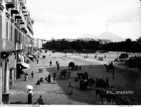 BGA-F-005601-0000 - View with people of the Chiaia Riviera and of part of the Villa Nazionale Park in Naples.