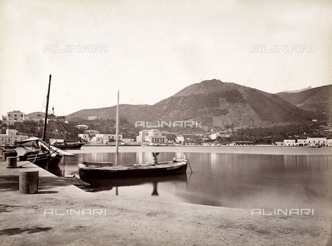 BGA-F-005705-0000 - View of Ischia's Harbor. In the background, Vesuvius.