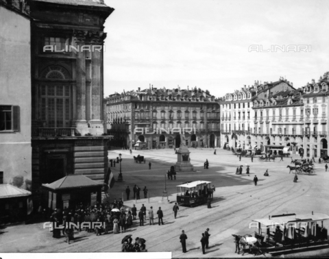 BGA-F-008141-0000 - Castello Square in Turin