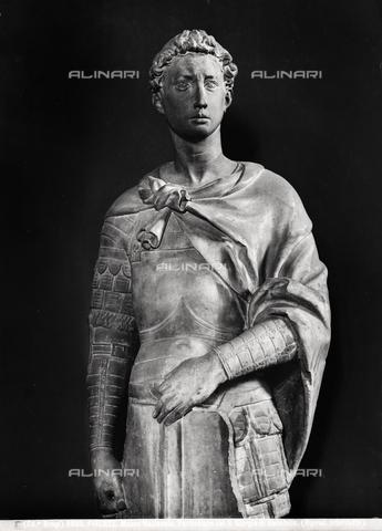 BGA-F-008689-0000 - San Giorgio (particolare), marmo, Donato di Niccolò di Betto Bardi detto Donatello (1386–1466), Museo Nazionale del Bargello, Firenze - Data dello scatto: 1890 ca. - Archivi Alinari, Firenze