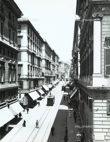 BGA-F-008758-0000 - Trams and pedestrians on Via Roma, in Genoa