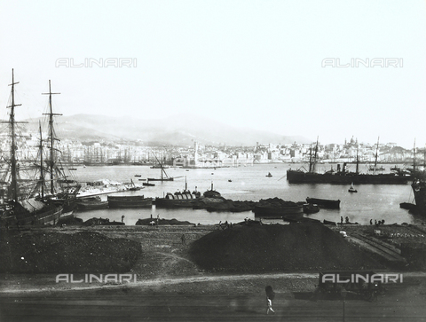 BGA-F-008781-0000 - View of Genoa