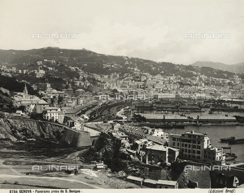 BGA-F-008784-0000 - View of Genoa from San Benigno
