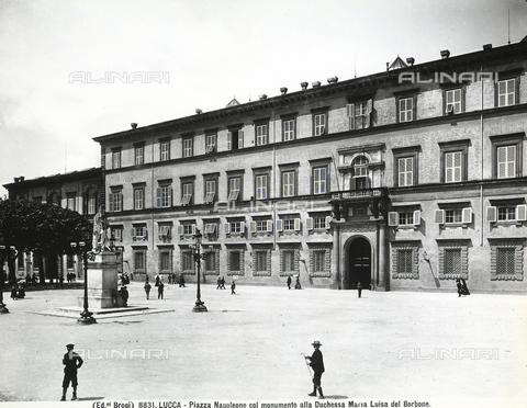 BGA-F-008831-0000 - Monument to Maria Luisa di Borbone, Piazza Napoleone, Lucca