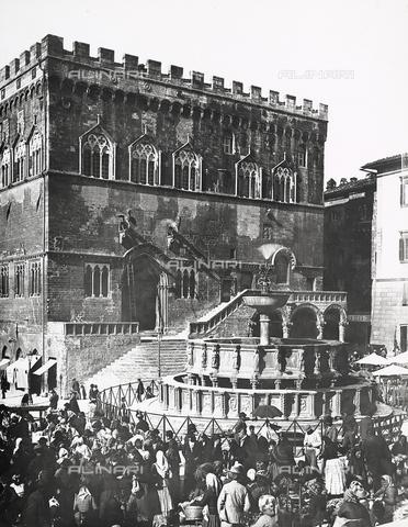 BGA-F-008882-0000 - Palazzo dei Priori or Palazzo del Comune (City Hall), Perugia, Umbria