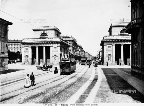 BGA-F-009977-0000 - View of Venice Gate in Milan
