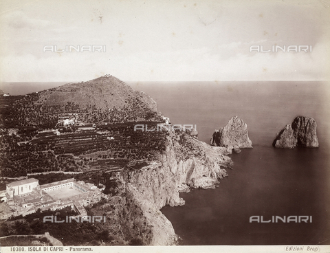 BGA-F-010380-0000 - View of the Isle of Capri with the faraglioni (giant rocks)