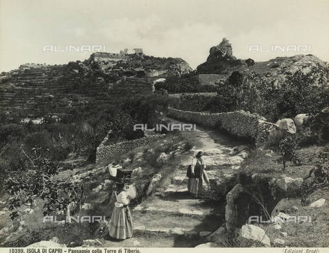 BGA-F-010399-0000 - Characteristic view of the Isle of Capri with the Tower of Tiberius in the background.
