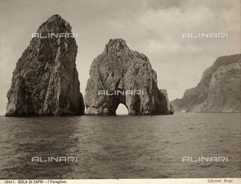BGA-F-010411-0000 - Capri's faraglioni (giant rocks)