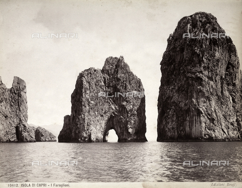 BGA-F-010412-0000 - View of Capri's faraglioni (giant rocks)