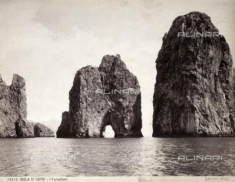 BGA-F-010412-0000 - View of Capri's faraglioni (giant rocks)