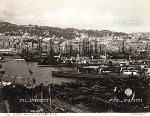 BGA-F-010631-0000 - View of Genoa's port, shot from the old pier.