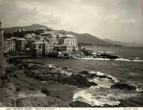 BGA-F-010633-0000 - Panoramic view of the village of Boccadasse, Genoa.