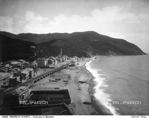 BGA-F-010650-0000 - View of Moneglia with part of the beach and the railroad.