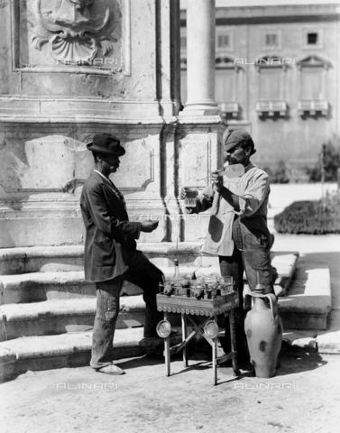 BGA-F-012071-0000 - A water seller in Palermo